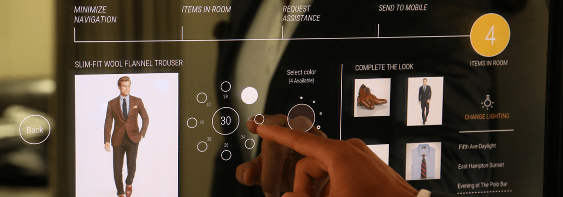 Soluzioni di vetrina espositiva e specchio intelligente