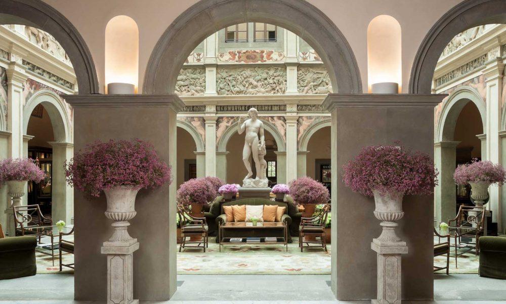 Four Seasons Hotel Atrio